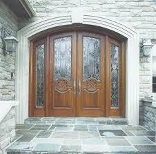 Bejárati ajtókat keres?